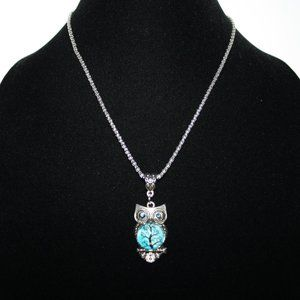 Beautiful silver owl necklace